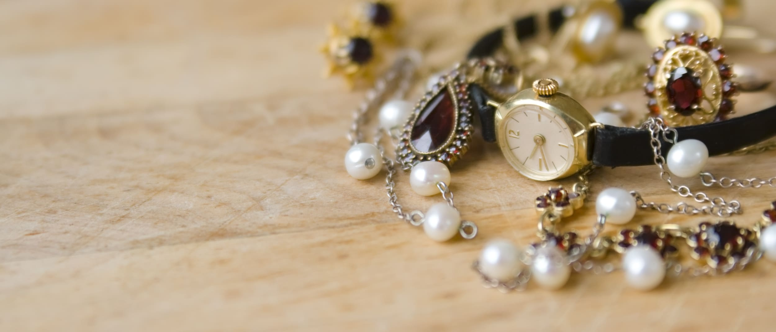 Simple Guide To Consider When Purchasing Jewelry Online